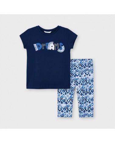 Completo con maglietta blu...